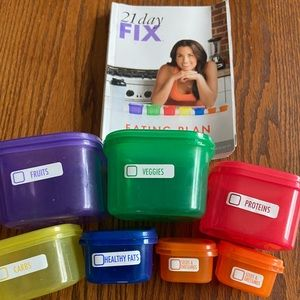 21 Day Fix containers and Booklet